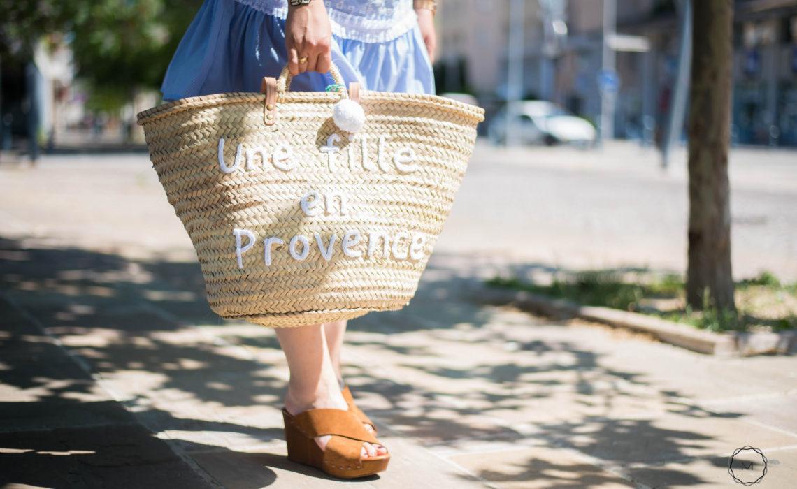 Une fille en Provence, jambes